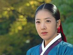 A drama that helped start the Korean Wave. It achieved ratings in Korea and was extremely popular in many countries around the world. Korean Wave, Korean Star, Dae Jang Geum, Drama Fever, Female Characters, Korean Drama, Kdrama, Palace, Japan