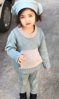 This Cutie ❤❤ Cute Little Baby Girl, Cute Baby Girl Pictures, Little Girl Models, Beautiful Baby Girl, Cute Girls, Baby Girl Poses, Cute Baby Girl Wallpaper, Cute Babies Photography, Baby Girl Princess