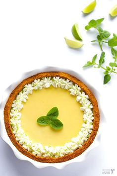 Mojito Pie -- a delicious twist on key lime pie inspired by a classic mojito drink! gimmesomeoven.com #mojito #pie #dessert