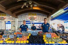 Bij deze vistent in Valras Plage verkopen ze vers gevangen vis en vind je een keur aan schelp- en schaaldieren.   Meer weten over Valras Plage? Kijk op onze website: http://autovakanties.sunweb.nl/frankrijk/languedoc-roussillon/valras-plage