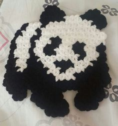 This Pin was discovered by Gül Crochet Doilies, Knit Crochet, Beautiful Crochet, Diy And Crafts, Crochet Necklace, Crochet Patterns, Panda, Knitting, Jewelry