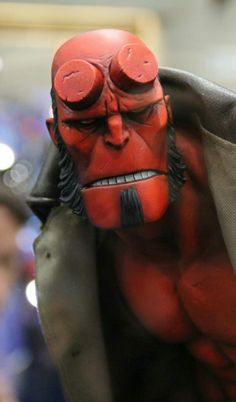Hellboy Premium Format statue by Sideshow Collectibles