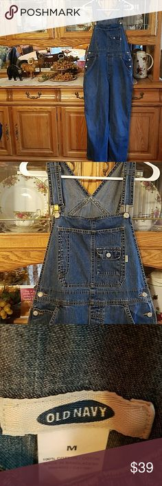 OVERALLS~OLD NAVY OLD NAVY OVERALLS  SIZE MEDIUM ADORABLE.... Old Navy Jeans Overalls