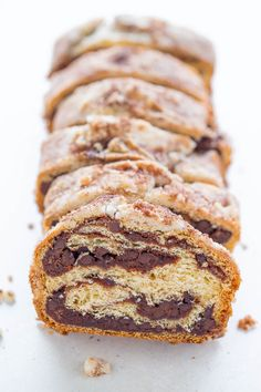 Chocolate Rollup Bread - Like a cake roll but in bread form! Stuffed with CHOCOLATE, topped with STREUSEL, and uses a timesaving shortcut! You're going to love this EASY no-mixer bread! Snack Recipes, Dessert Recipes, Cooking Recipes, Snacks, Brunch Recipes, Breakfast Recipes, Chocolate Roll, Chocolate Chips, Chocolate Recipes