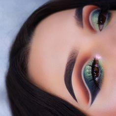 Eyes• @anastasiabeverlyhills Subculture Palette / @hudabeauty lashes in Jade Brows• @anastasiabeverlyhills dipbrow in ebony (Rest of the details up tomorrow ) #motd #makeup #makeupartist #mua #vegas_nay #anastasiabeverlyhills #abhbrows #hudabeauty #norvina #jamiegenevieve #abhshadows #universodamaquiagem_oficial #norvina #brian_champagne #undiscovered_muas #dressyourface #wakeupandmakeup #morphebrushes #makeupaddict #morphebabe #rethinknatural #abh #makeupgeekcosmetics #wakeupandmakeup...