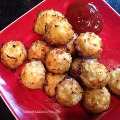 This low carb recipe for Cauliflower Tots will make it easy for you to get a 'french fry fix' while dumping the carbs. Scd Recipes, Low Carb Recipes, Baking Recipes, Healthy Recipes, Cauliflower Tots, Cauliflower Recipes, Cauli Tots, Clean Eating Snacks, Cooking