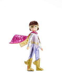Kledingset Super Hero  Altijd al eens een superheld willen zijn? Lottie is ook graag een superheld en kleed zich dan ook in een ogenblik om in haar super Lottie outfit. Is het een vliegtuig? Is het een vogel? Nee het is Super Lottie!  Deze set bevat: een masker, laarzen, cape en een Super Lottie pak.  De Lottie pop behoort niet tot de leveringsomvang.