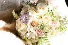 Delicate, organic, #blush roses, purple lysianthus, queen Anne's lace. teresaferrando.com