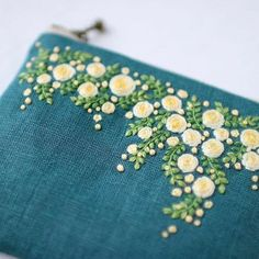 """1,547 Likes, 25 Comments - 로앤스티치 (@row_stitch) on Instagram: """"#자수로 만든 #파우치입니다 the #pouch made by #embroidery. 자료출처 : Pinterest - yula_handmade_2008…"""""""
