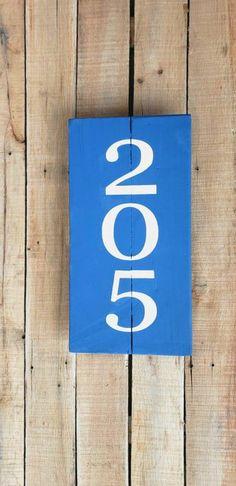 HOUSE NUMBER PLAQUE, Vertical Address Sign, Porch Decor, Farmhouse Decor, Rustic, Chalk Paint, Pallet Wood Sign, Personalized Home Address Wood Pallet Signs, Wood Pallets, Wood Signs, House Number Plaque, House Numbers, Address Signs, One Light, Porch Decorating, Chalk Paint