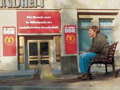 """Entre os dias 7 e 11 de abril, a mostra """"Encontro com o cinema alemão"""", produzida pelo Sesc Centro, exibe oito filmes dirigidos por grandes cineastas contemporâneos desse país. As sessões acontecem no teatro do espaço, às 15h, 17h e 19h. A entrada é Catraca Livre."""