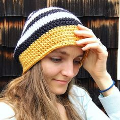 This fun Slouchy Beanie by Olena Huffmire Designs includes a video tutorial. This crochet slouchy beanie is for women and great for beginners. Easy Crochet Baby Hat, Slouch Hat Crochet Pattern, Slouchy Beanie Pattern, Crochet Slouchy Beanie, Free Crochet, Knit Crochet, Crochet Hats, Crochet Designs, Crochet Patterns
