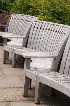 Garden Seats, Outdoor Furniture, Furniture Ideas, Wooden Benches, My Secret  Garden, Deck Patio, Backyard, Garden Design, Outdoor Spaces