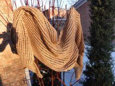 Eyelet shawl