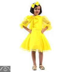 This Puddles Yellow Puffed Sleeve Dress is a cute outfit for your baby girl. The vibrant yellow color of the dress is attractive and the puffed sleeves along with the bow add to the style quotient of the dress. Kids Outfits, Summer Outfits, Cute Outfits, Girls Dresses Online, Puffed Sleeves, Summer Clothes, Harajuku, That Look, Vibrant