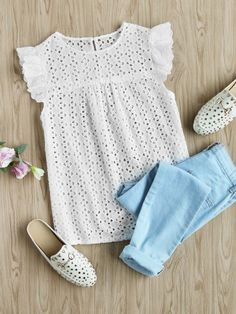 SheIn offers Buttoned Keyhole Flutter Sleeve Eyelet Embroidered Smock Top & more to fit your fashionable needs. Casual Outfits, Cute Outfits, Fashion Outfits, Sleeveless Outfit, Flutter Sleeve Top, Ruffle Sleeve, Blouse Styles, Mode Style, Casual Chic