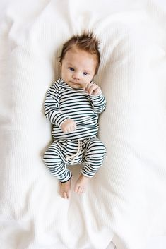 Cute Baby Boy Outfits, Toddler Boy Outfits, Cute Baby Clothes, Cute Kids, Cute Babies, Baby Kids, Brother Brother, Baby Bug, Getting Ready For Baby