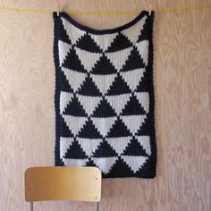 Knitted Triangle Pattern blanket