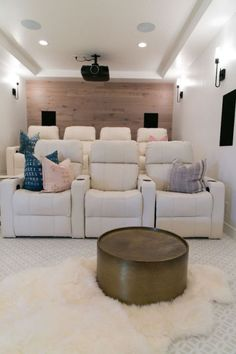 How to create the modern media room BECKI OWENS - b l o g - . can find Modern and more on our website.How to create the modern media room BECKI OWENS - . Home Cinema Room, At Home Movie Theater, Home Theater Rooms, Home Theater Seating, Home Theater Design, Home Theatre, Media Room Seating, Media Room Design, Media Room Decor