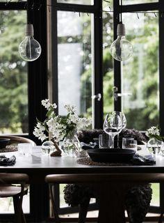 Hemma hos mig | Vita sommarblommor skapar sommarkänslan