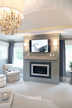 Great Screen basement Fireplace Remodel Tips Remarkable tv over linear fireplace design for your cozy home Fireplace Facade, Basement Fireplace, Linear Fireplace, Slate Fireplace, Bedroom Fireplace, Farmhouse Fireplace, Home Fireplace, Fireplace Hearth, Fireplace Remodel