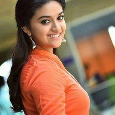 Keerthi Suresh Photos: Hot & Sexy Pics of Telugu actress Beautiful Girl Indian, Most Beautiful Indian Actress, Beautiful Actresses, Simply Beautiful, South Actress, South Indian Actress, India Beauty, Actress Photos, Stylish Girl