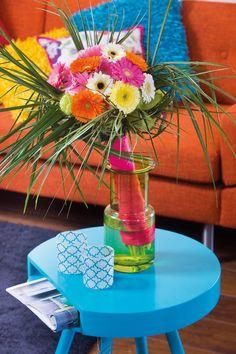 Colourful gerbera bouquet in a green vase #yellowgerberas #orangegerberas #inspiration #colouredbygerbera #dutchgerbera
