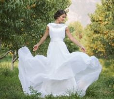 This website is FULL of temple-ready dresses! A must have for the modern day LDS Bride. THAT DRESS