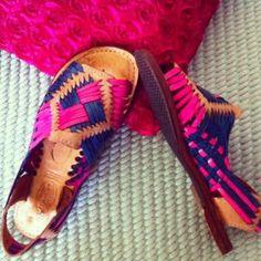 https://www.facebook.com/regiina.obregon venta de zapatos artesanales //selling shoes