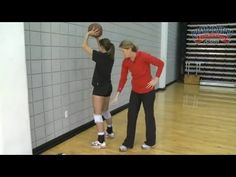The Best of Championship Productions: 30 Setting Drills Volleyball Passing Drills, Volleyball Gifs, Volleyball Skills, Volleyball Practice, Volleyball Setter, Volleyball Training, Volleyball Workouts, Coaching Volleyball, Volleyball Pictures