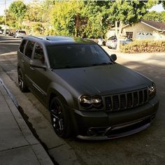 wroomr — Custom Jeep Grand Cherokee SRT Owner: @1nito_srt...