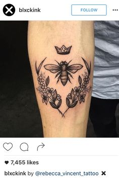 Queen bee and flora. Blackwork. Bee tattoo. Reminder that these tattoos are for inspiration and ideas, if you like someone else's tattoo have your artist redesign it for you! That shows respect to both artists and the person with the original piece :)