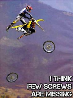 Motocross Fail by symanovitch - A Member of the Internet's Largest Humor Community Funny Sports Pictures, Epic Fail Pictures, Sports Photos, Sports Images, Funniest Pictures, Crazy Pictures, Funny Photos, Foto Picture, Picture Fails