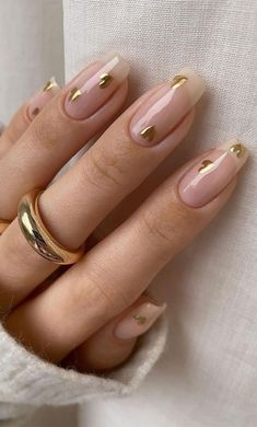 Cute Acrylic Nails, Cute Nails, Gold Glitter Nails, Aycrlic Nails, Stylish Nails, Trendy Nails, Sophisticated Nails, Romantic Nails, Heart Nail Designs