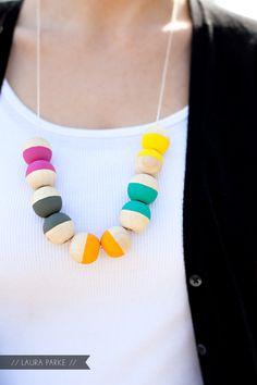 http://mjtrim.files.wordpress.com/2012/07/laura_parke_necklace_5.jpg