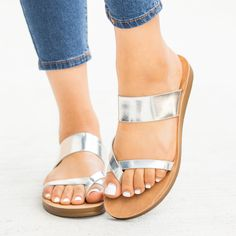 62030a1fd979 9 Best Slip on sandals outfit images