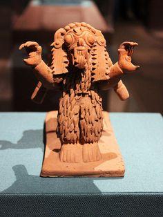 Jama-Coaque Snuff Tray  Walters art Museum