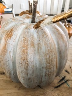 diy fall decor I'm going to show you how to make Copper Pumpkins in a few easy steps. This will add instant warmth and character to your fall decor! Autumn Crafts, Thanksgiving Crafts, Fall Pumpkin Crafts, Thanksgiving Cornucopia, Fall Wood Crafts, Pumpkin Art, Diy Crafts, Thanksgiving Decorations, Autumn Decorating