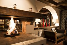 Lounge mit offenem Kamin Spa Hotel, Hotels, Restaurant, Lounge, Home Decor, Open Fireplace, Airport Lounge, Decoration Home, Room Decor