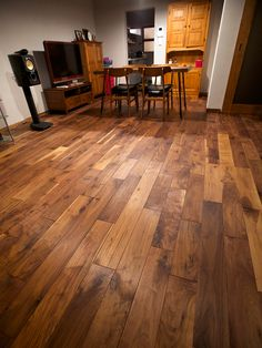 アメリカンブラックウォールナット無垢フローリング Wooden Flooring, Hardwood Floors, Interior Photo, Interior Design, Floor Finishes, My Room, Interior And Exterior, House Plans, House Design