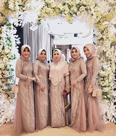 69 Ideas For Style Mom Outfits The Bride Hijab Style Dress, Modest Fashion Hijab, Spring Fashion Outfits, Kebaya Muslim, Muslim Dress, Muslim Wedding Gown, Wedding Hijab, Muslim Brides, Mom Outfits