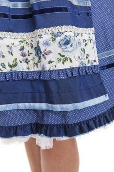 Dirndl midi 60 cm Blue Roses blau/ecru Krüger