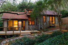 Cabin // Small House // No yard //
