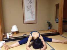 2015/2/14 at Shibu Onsen - New Yoga position - touching my forehead!!! on Feb 10th, the gap between my forehead to the floor was about a fist, and now, I am touching the floor for more than 10 seconds!