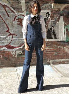 Gli Arcani Supremi (Vox clamantis in deserto - Gothian): Denim trendy outfits for 2018 and 2019 Daily Fashion, Love Fashion, Womens Fashion, Jeans Flare, Salopette Jeans, Trendy Outfits, Fashion Outfits, Jessica Parker, Look Street Style