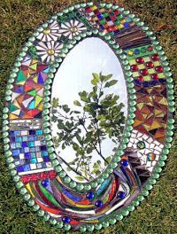 Mosaic Mirror ~ Sue Smith Great Beginner Guide on this site! Tile Art, Mosaic Art, Mosaic Glass, Mosaic Tiles, Stained Glass, Glass Art, Sea Glass, Mosaic Crafts, Mosaic Projects