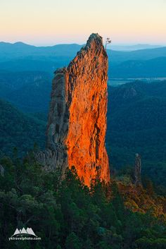 The Breadknife, Warrumbungle National Park, NSW, Australia (970) - Yegor Korzh :: Travel Photography -- Australia is a flat continent - all mountains here are very old, worn out by millions of years of erosion and generally not famous for its height. However, this unfortunate fact is easily compensated by numerous geological gems scattered across this desert country. One of those unusual places is The Breadknife.