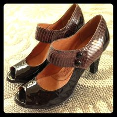 Sofft Mary Janes Heels Super cute pumps for the vintage-loving girl. These are a dark burgundy-like brown. Some scuffs at heels and light scratches and scuffs. Sofft Shoes Heels
