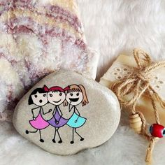 80 romantic valentine painted rocks ideas diy for girl (12)