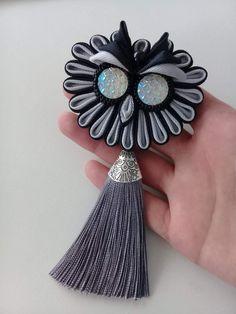 Одноклассники Diy Ribbon Flowers, Kanzashi Flowers, Ribbon Art, Ribbon Crafts, Flower Crafts, Fabric Flowers, Fabric Crafts, Band Kunst, Etsy Fabric